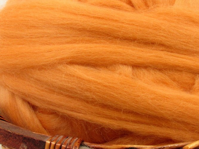 Dyed Corriedale Natural Spinning Fiber Wool Top Roving / 1oz - Peach