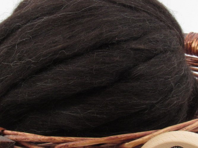 Black Icelandic Wool Top Roving - Undyed Natural Spinning & Felting Fiber / 1oz