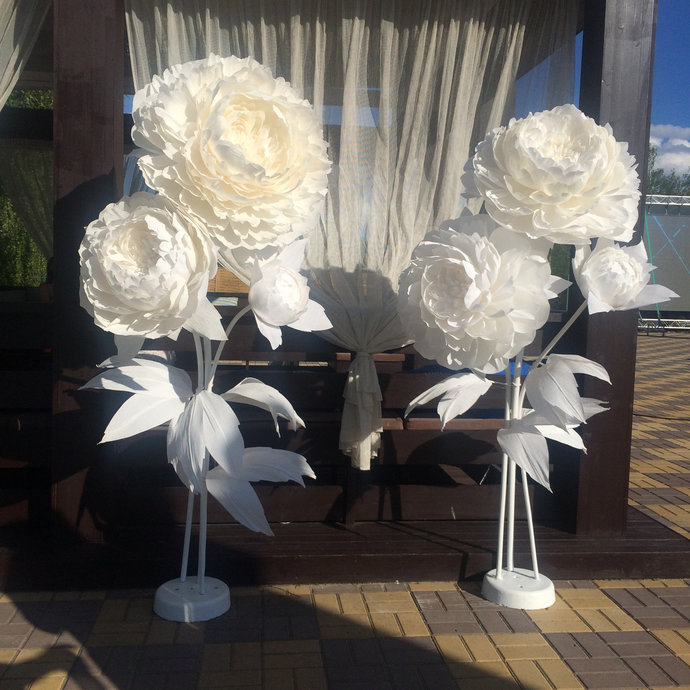 3 white large giant paper flower self by preciosa design on zibbet 3 white large giant paper flower self standing with base flore de papel mightylinksfo