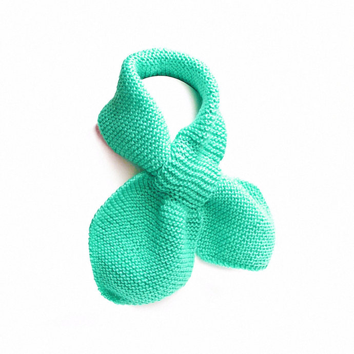Toddler Knit Scarf. Child's Turquoise Pull Thru Scarf. Aqua Unisex Keyhole