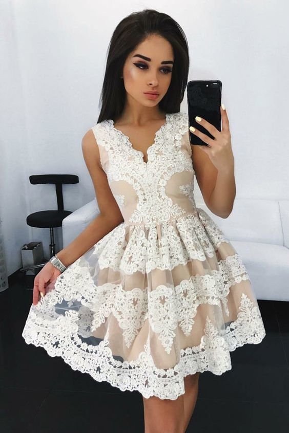 A-Line V-Neck Short Iovry Tulle Homecoming Dress with Appliques Party Dress