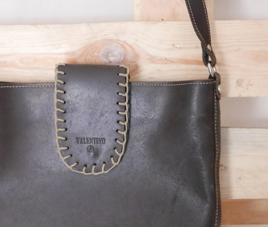 Vintage shoulder bag brown leather lined inside brand VALENTINO OOAK Made in