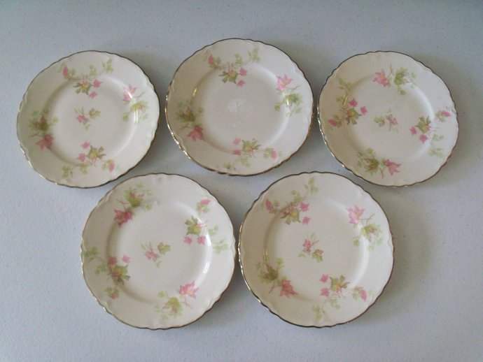 Homer Laughlin Maple Leaf Set Of Five Bread & Butter Plates