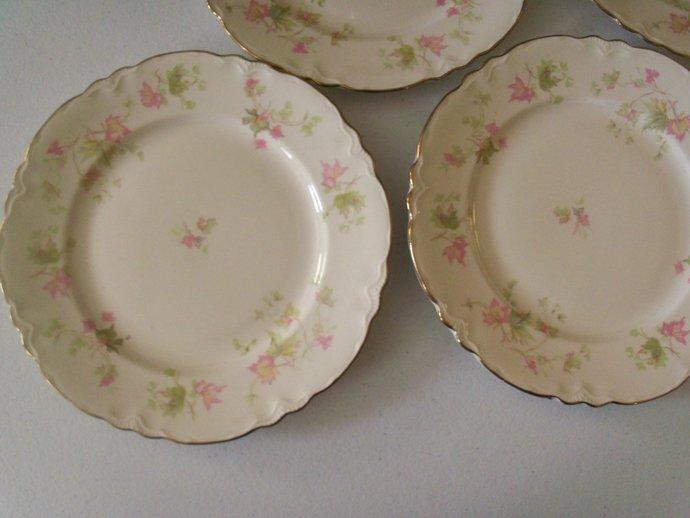 Homer Laughlin Maple Leaf Set Of Five Dinner Plates