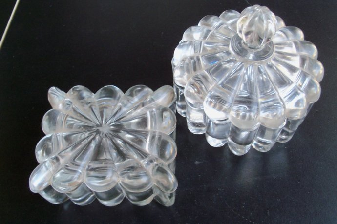 Heisey Glass Pair Of Matching Crystolite Covered Containers
