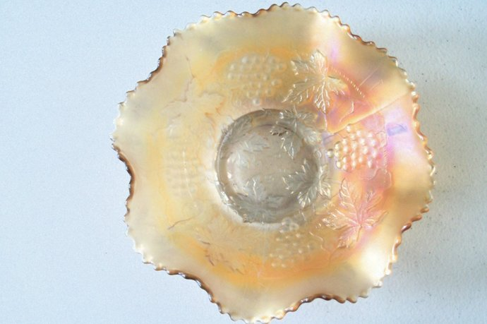 Marigold Beautiful Iridescent Scalloped Ruffled Edge Bowl