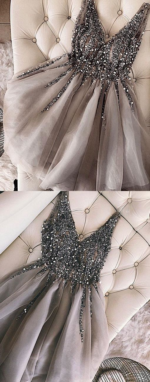 Luxurious Sequins Beaded V-neck Tulle Homecoming Dresses Short Gray Prom Dress