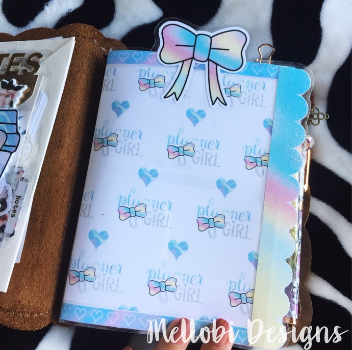 Holo Planner Girl with Scalloped Border