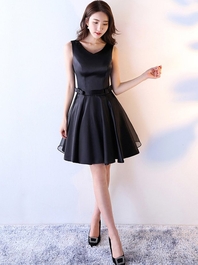 c0a0f3a025c8a Cute Little Black Dress,, Short Black Homecoming Dress, V-neckline Party  Dress