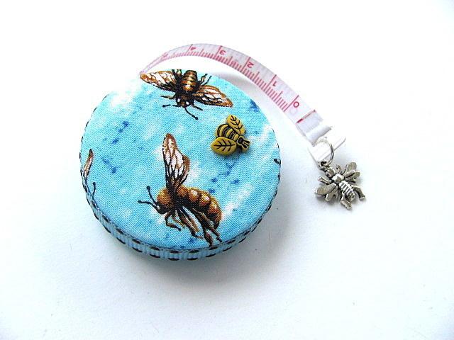 Bee Nice Retractable Tape Measure