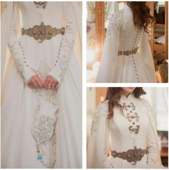 Vintage Muslim Wedding Dresses A Line Modest Long Sleeve High Neck Luxury Gold
