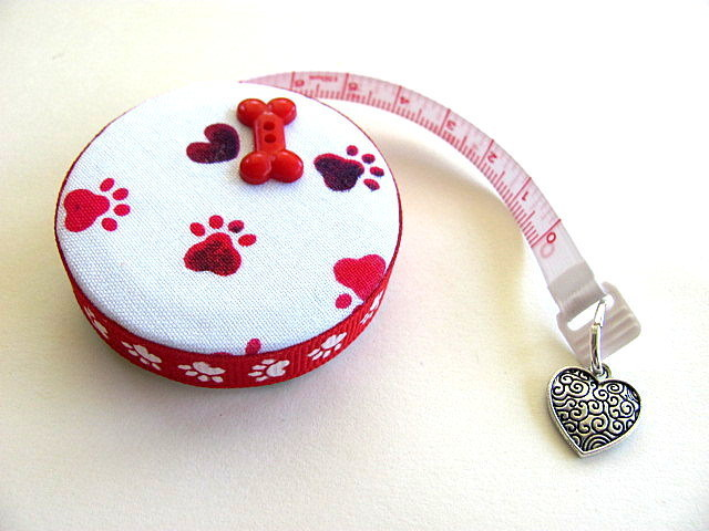 Measuring Tape with Rainbow Hearts and Paws Retractable Tape Measure
