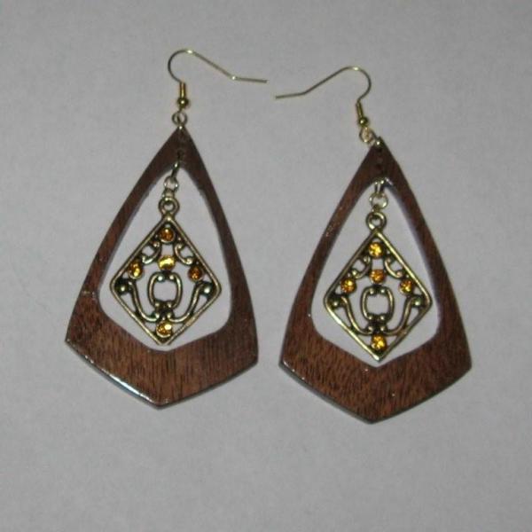 Triangel Shaped Black Walnut Earrings