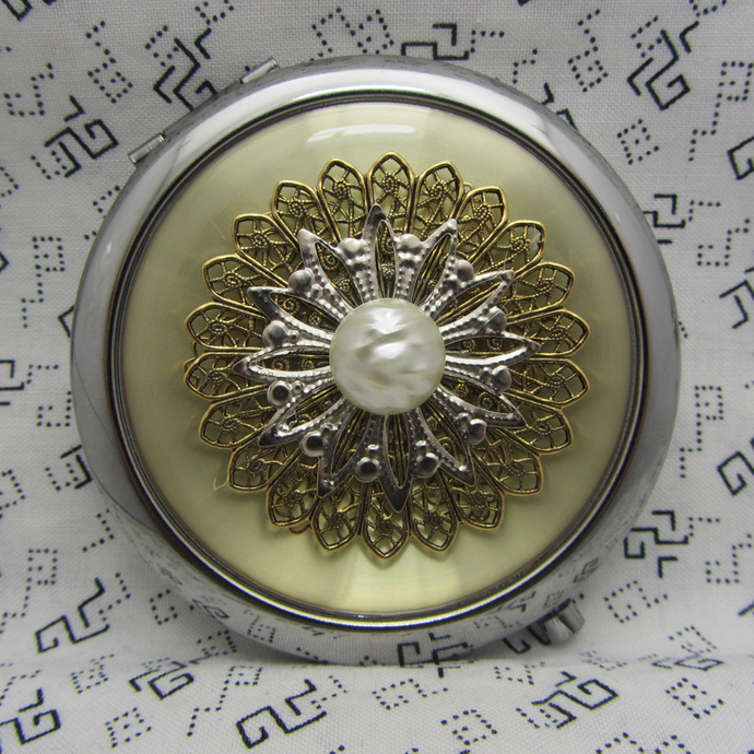 Compact Mirror Bridesmaid Gift Pirates Treasure Gold Silver And Pearl Comes With