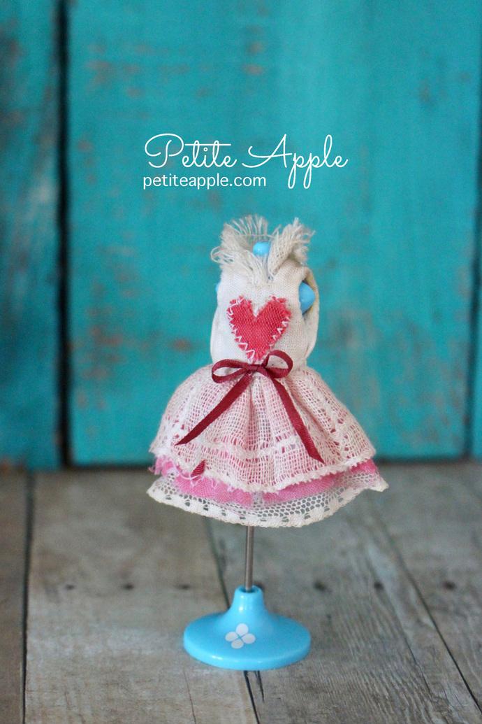 Vintage heart dress for PETITE Blythe