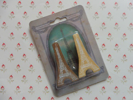 Eiffel Tower imitation wooden clips