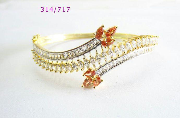 Peach Cubic Zirconia open and close Bracelet