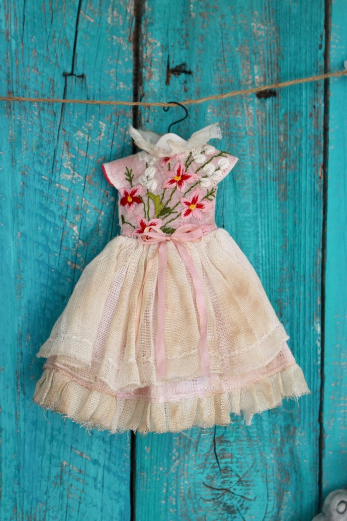 "OOAK dress for Blythe or Pullip doll ""Bouquet précieux"" vintage embroidered"