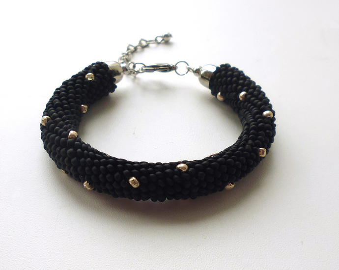 Beaded Crochet Bracelet, imitation rivets