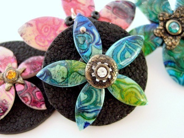 Technique and Project - Polymer clay - Batik Flower Pendants and Pins - Digital