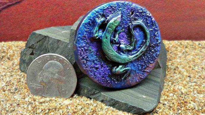 40 mm round Gecko, Lizard, Salamander Pendant - handmade - simulated Raku -