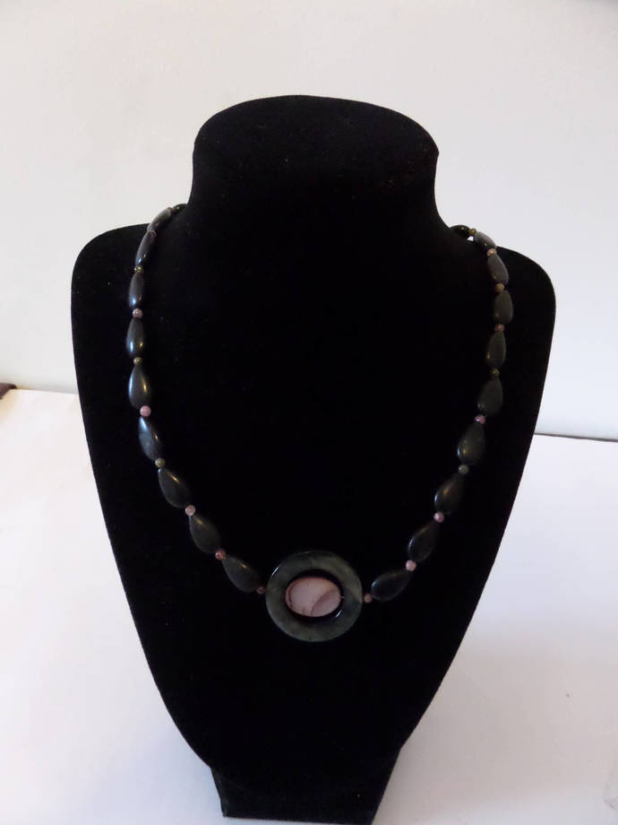 Mother of Pearl Shell and Black teardrop bead neaklace