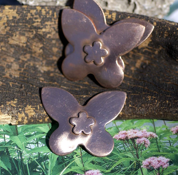 Little Flower Embossed on Butterfly Blank Cutout for Enameling Stamping