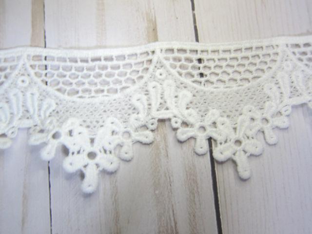 "Scallop Edge Cotton Flower Embroidered Lace - 2 1/4"" White"