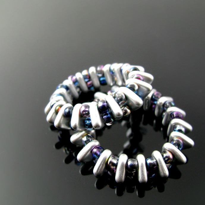 Beaded ring with triangle and seed beads