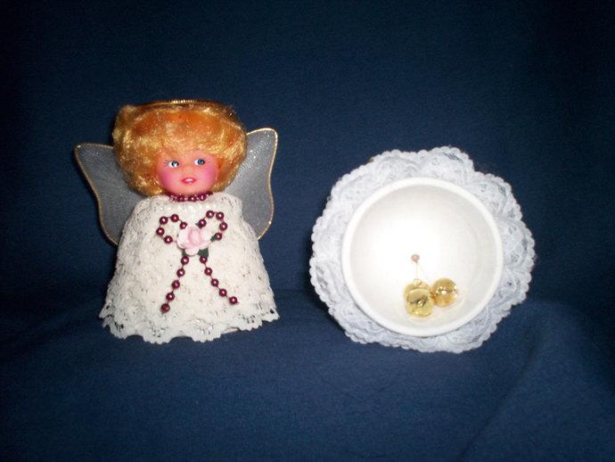 Clay Pot Angel Small w/Bells