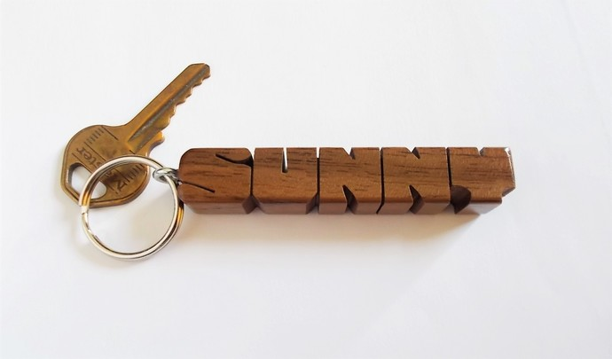 SUNNY - Sample Name Keychain in Walnut Wood