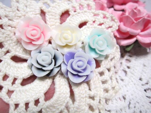 "5pcs Flatback Two Tone Mat Resin Flowers - 7/8"" Pink, White, Lavender, Black,"