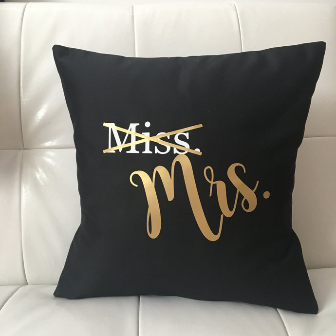 New Mrs Cushion Cover / Pillow Case / Wedding / Bride / Gift / Shower / Home