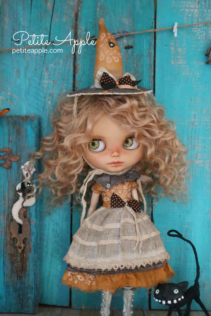 RESERVED FOR HEATHER -Witch set - dress and hat - Blythe doll OOAK -Agnes