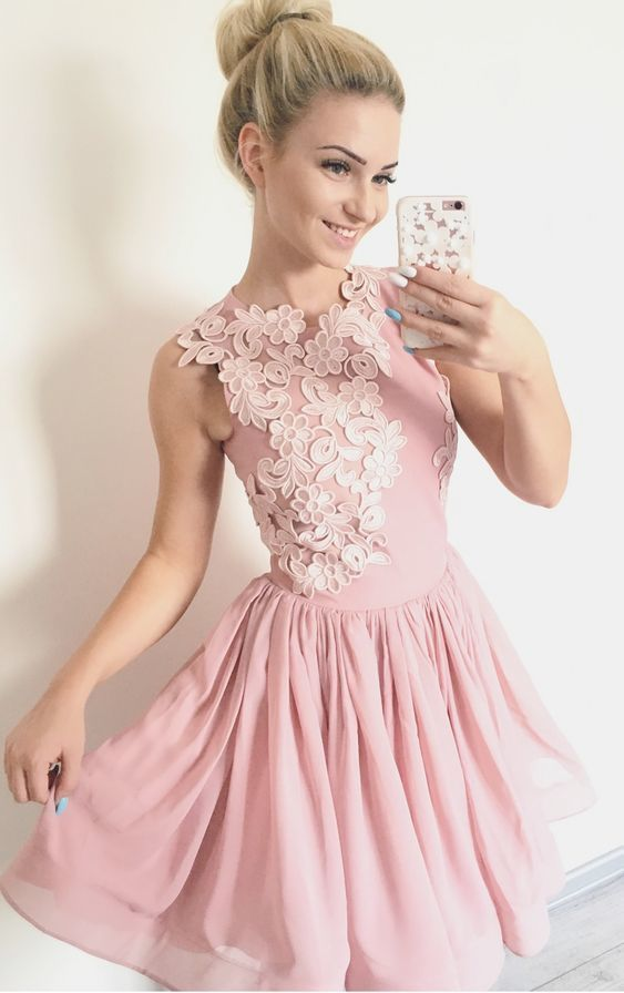 A-Line Crew Above-Knee Blush Organza Homecoming Dress with Appliques