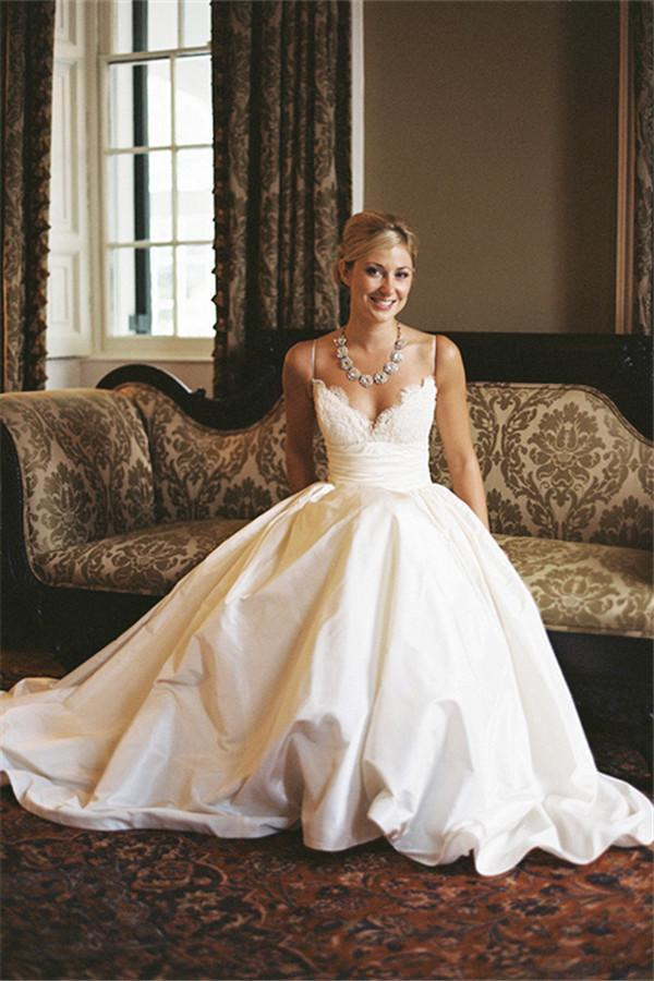 A-line Sleeveless Spaghetti Strap Lace Wedding Dress