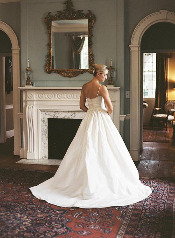 A-line Sleeveless Spaghetti Strap Lace Wedding Dress