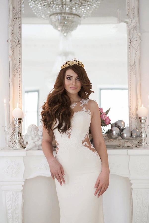 Stunning Mermaid Sleeveless Lace Wedding Dress Zipper Button Wedding Gowns
