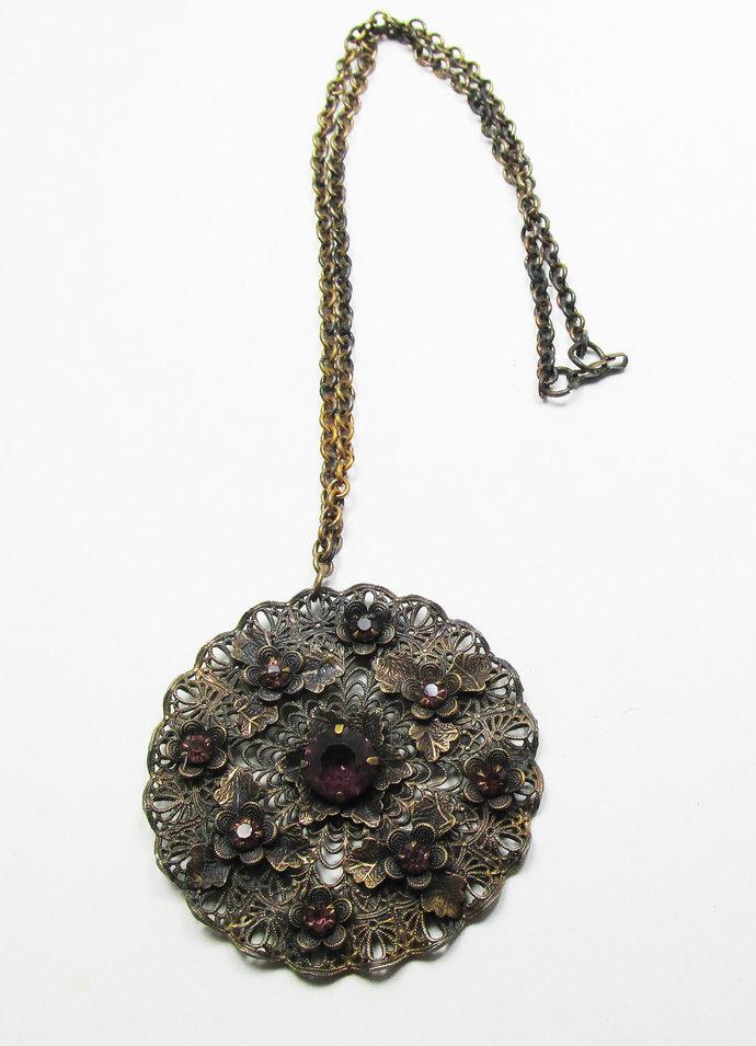 Vintage-Jewelry-Gold-Rhinestone-Pendant-Necklace-Costume-Retro-Art