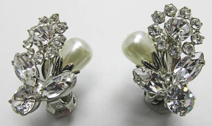 Vintage-Jewelry-Silver-Rhinestone-Pearls-Earrings-Costume