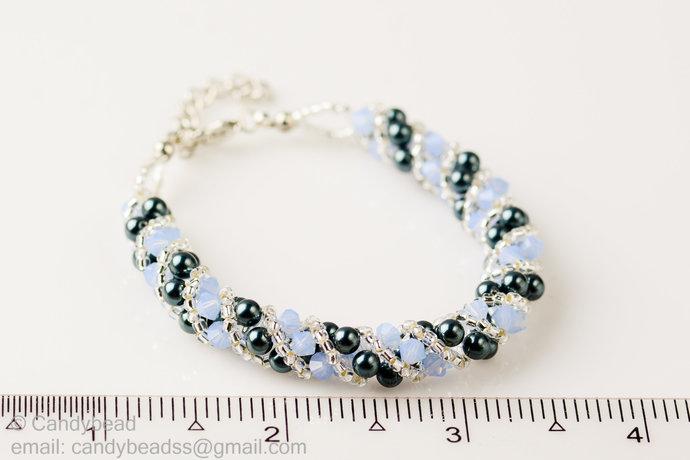 SALE; Size 7 to 8 inches; Swarovski Bracelet; Crystal Bracelet; Glass Bracelet;