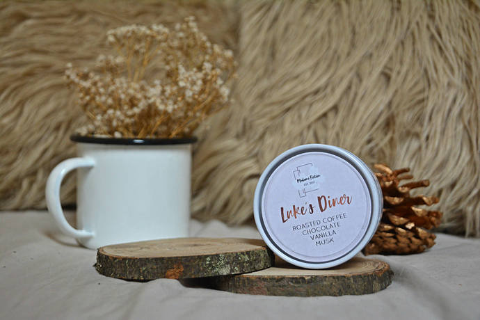 Luke's Diner - 4oz Candle - Gilmore Girls - Scented Soy Candle - Book Lover Gift