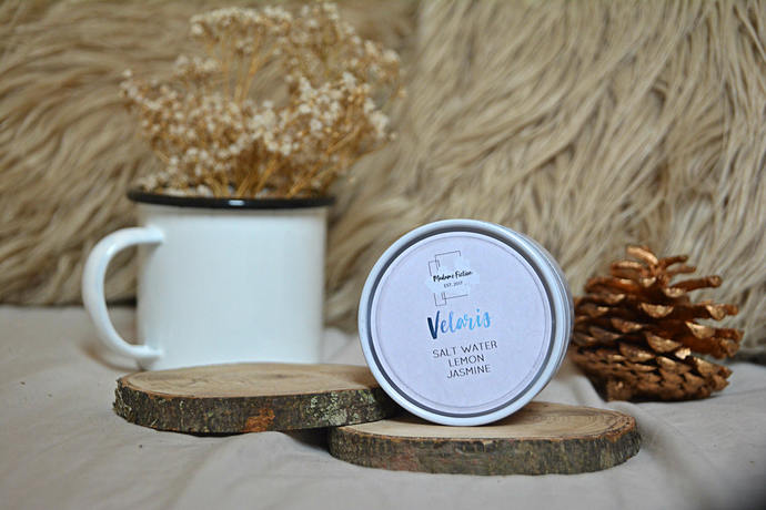 Velaris - 4oz Candle - ACOTAR/ACOMAF/ACOWAR - Scented Soy Candle - Book Lover