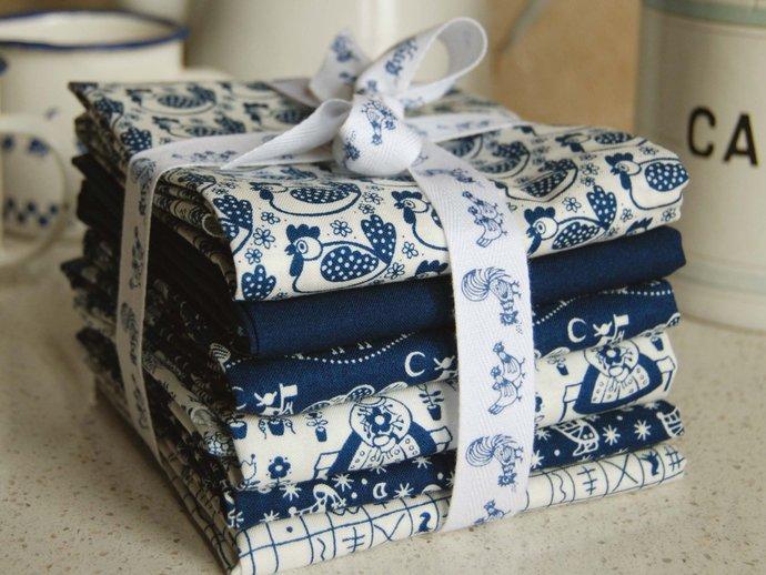 Fat Quarter - blue horse print craft fabric - 100% cotton - white on dark blue -
