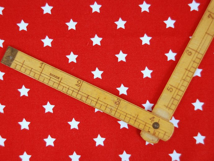 Red Star Print Fabric  - half meter - extra wide 59 inch - 100% ecofriendly