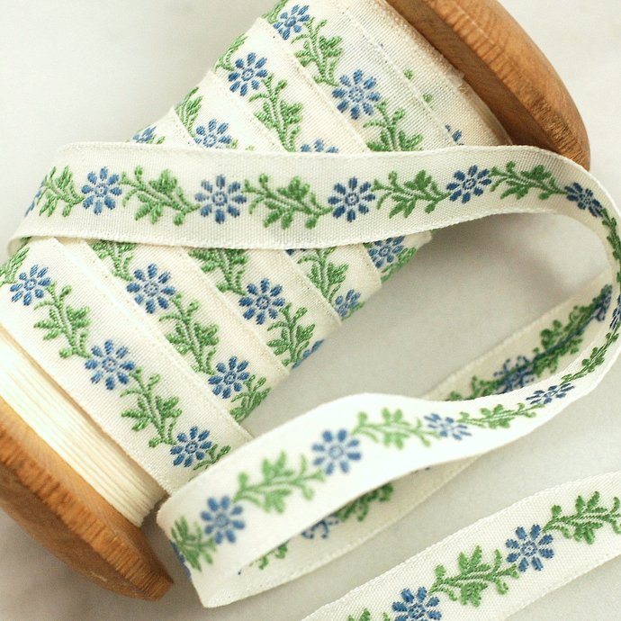 Pretty Blue Daisy Luxury traditionally Loom Woven Ribbon - 1 meter - 1 cm width
