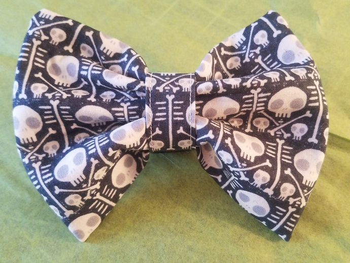 Skully Collar Bowtie for Dogs