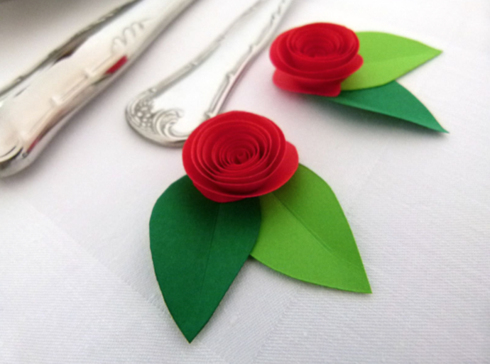Table Decor: 24 small Paper by Susetta Lee\'s Paper Flowers on