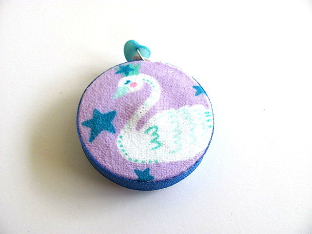 Tape Measure with Swans Retractable Measuring Tape