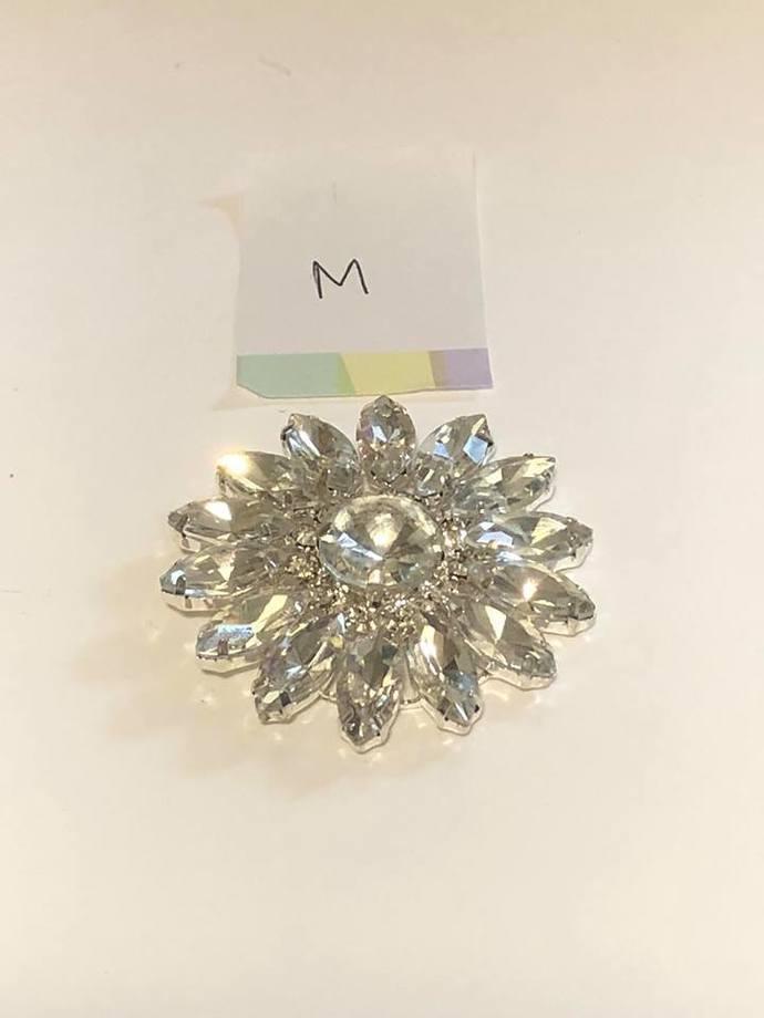 1pc ~ Medium Rhinestone Flower
